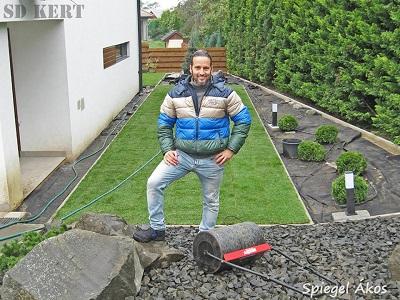 Spiegel Ákos kertész